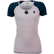 Antigua Women's New York Yankees White/Navy Crush T-Shirt